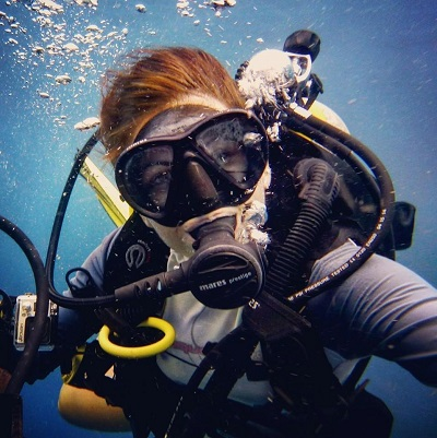 PADI Instructor Szandra at work